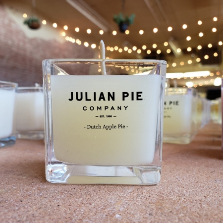 private label candles Julian dutch apple pie